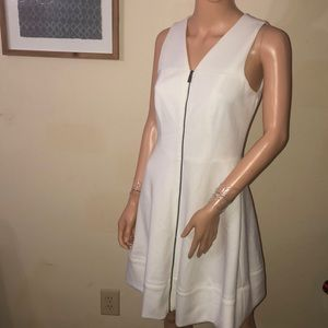 NWOT Vince Camuto dress, fully lined, zip front